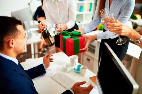 tặng hộp quà tết cho doanh nghiệp