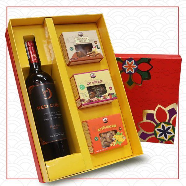 hộp quà Tết Hạnh Xuân thích hợp làm quà tặng đối tác, khách hàng nhân dịp Tết Nguyên Đán